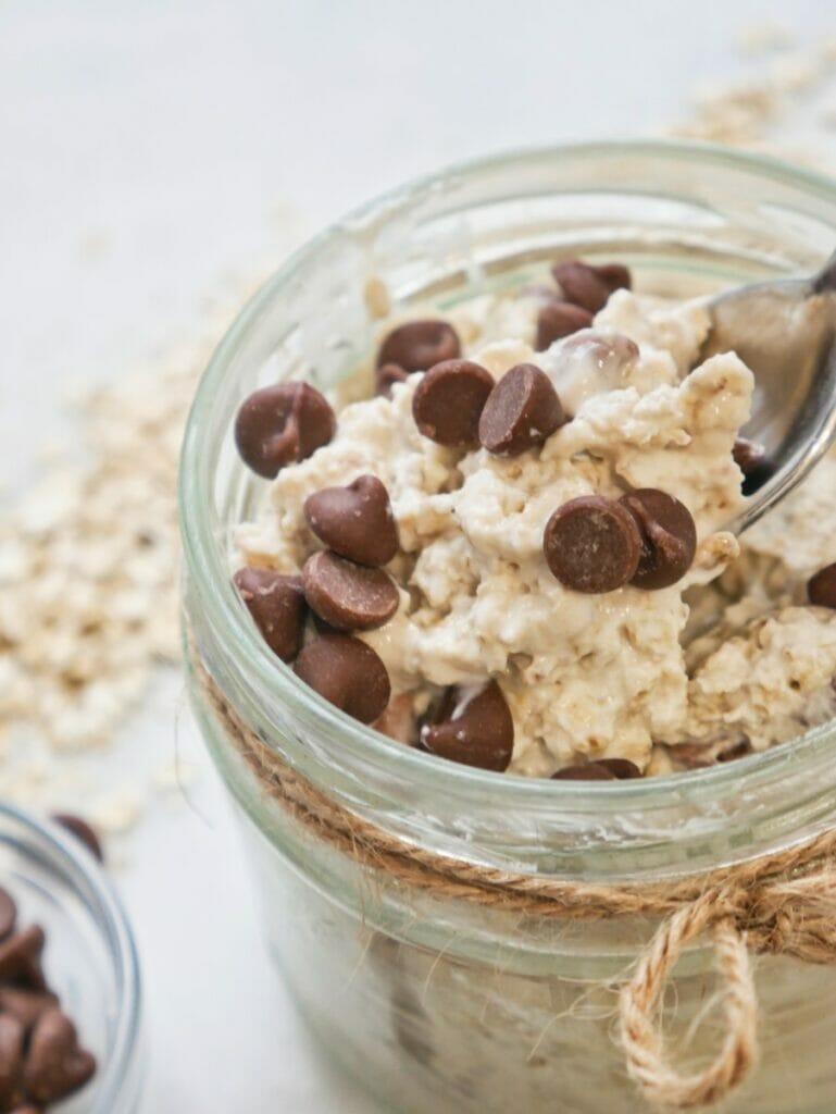 chocolate chip oats in a mason jar